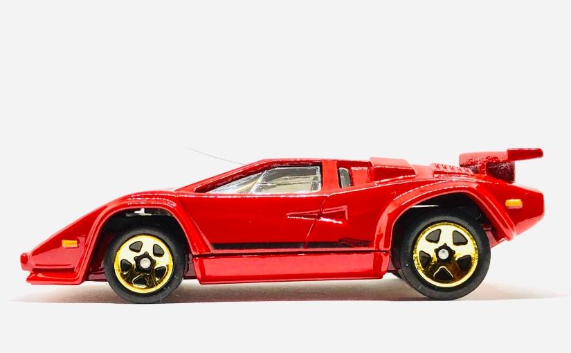 Hot Wheels Lamborghini Countach inRed!