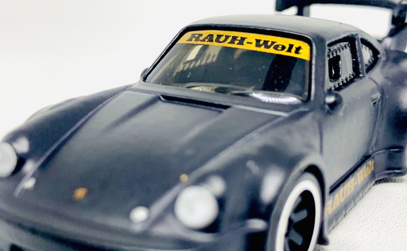 Unboxing: 2019 Hot Wheels Premium Silhouette Porsche RWB and Greenwood Corvette