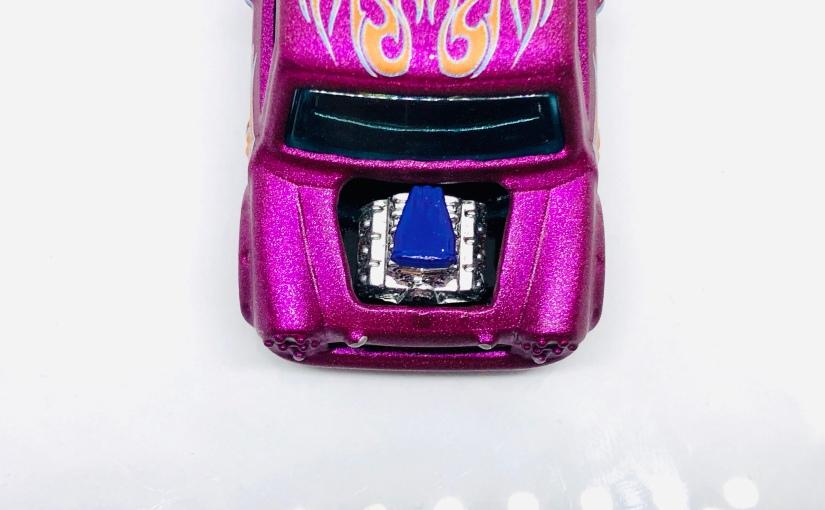 Hot Wheels Custom: Pink MiniMorris